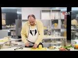 Видео как готовить салат из курицы с ананасом